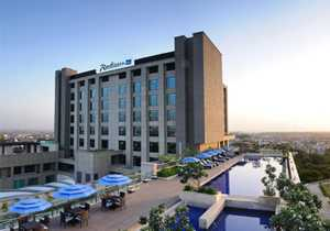 Call Girls Service in Radisson Blu Hotel Noida